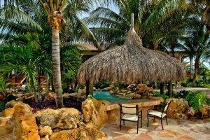 The Tides - Tiki dining, pool